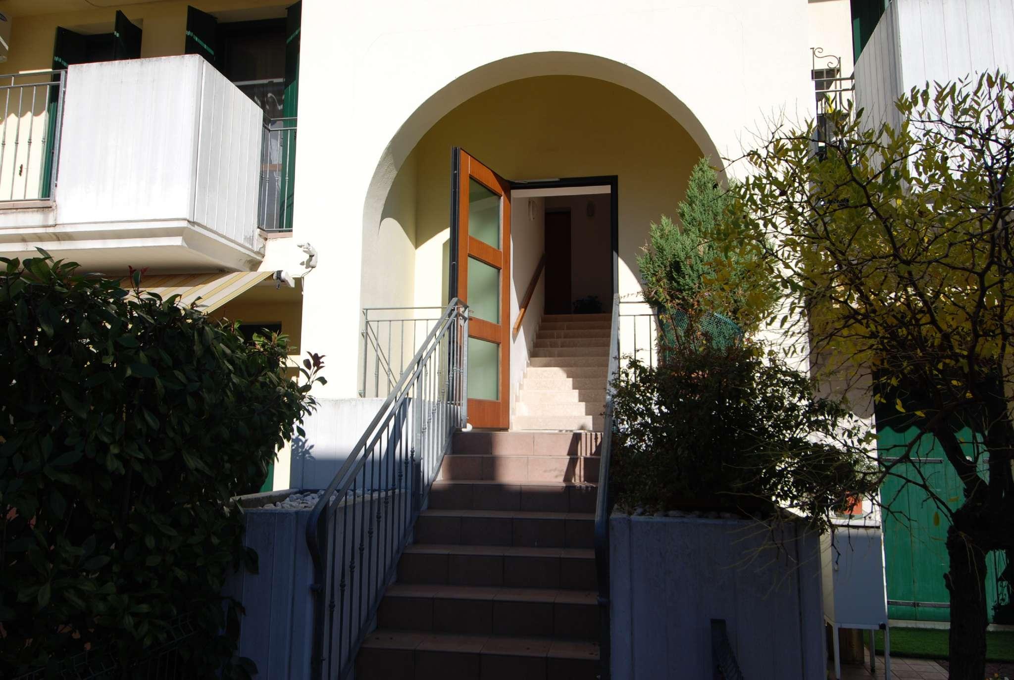 Appartamento in ottime condizioni in vendita Rif. 8315298