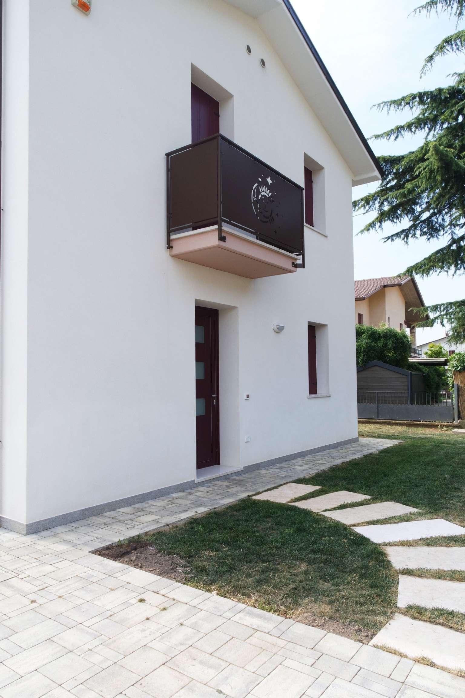 Villa Bifamiliare in Vendita a Castegnero