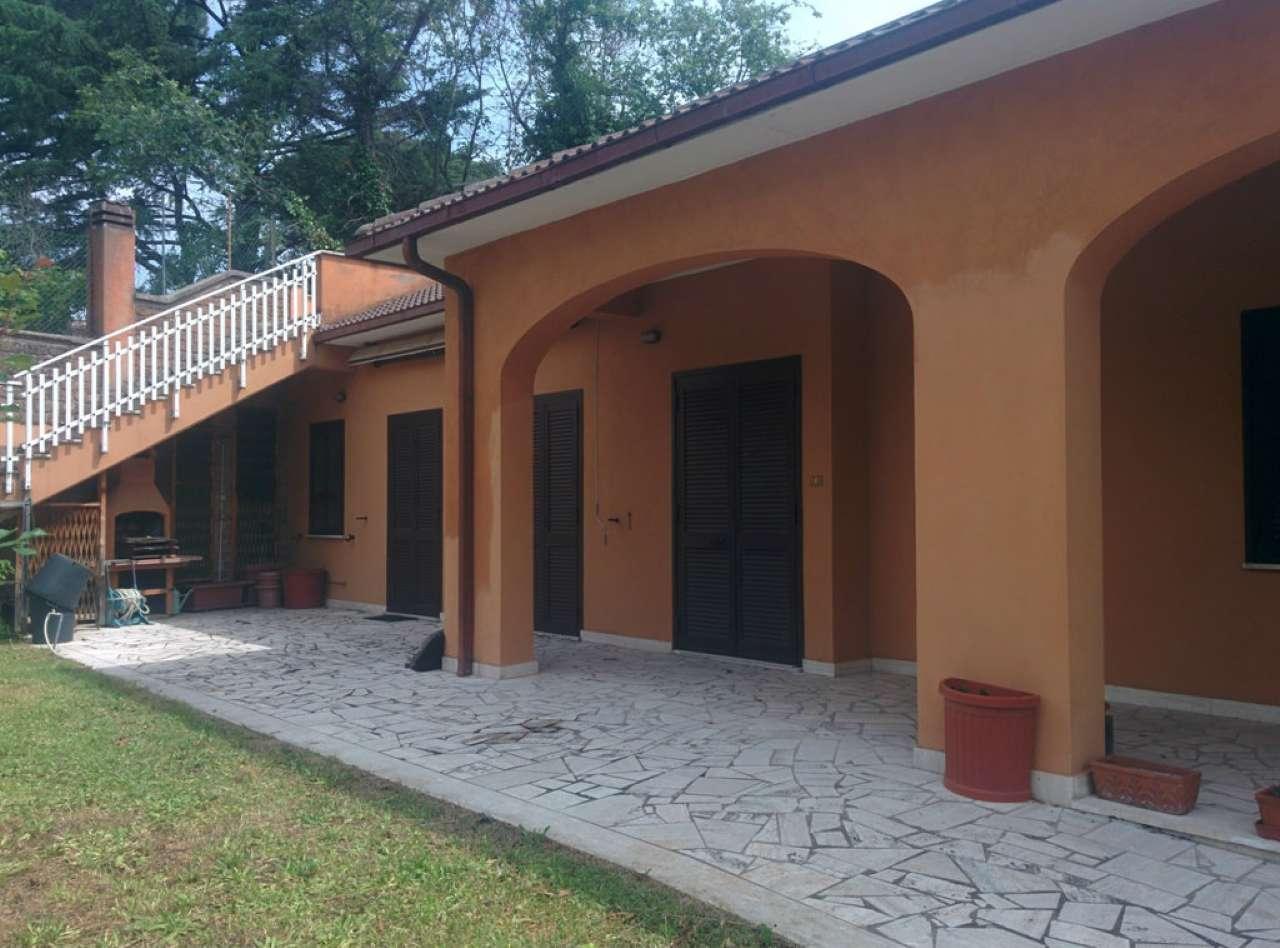 Villa in vendita a Capena, 6 locali, prezzo € 330.000   CambioCasa.it