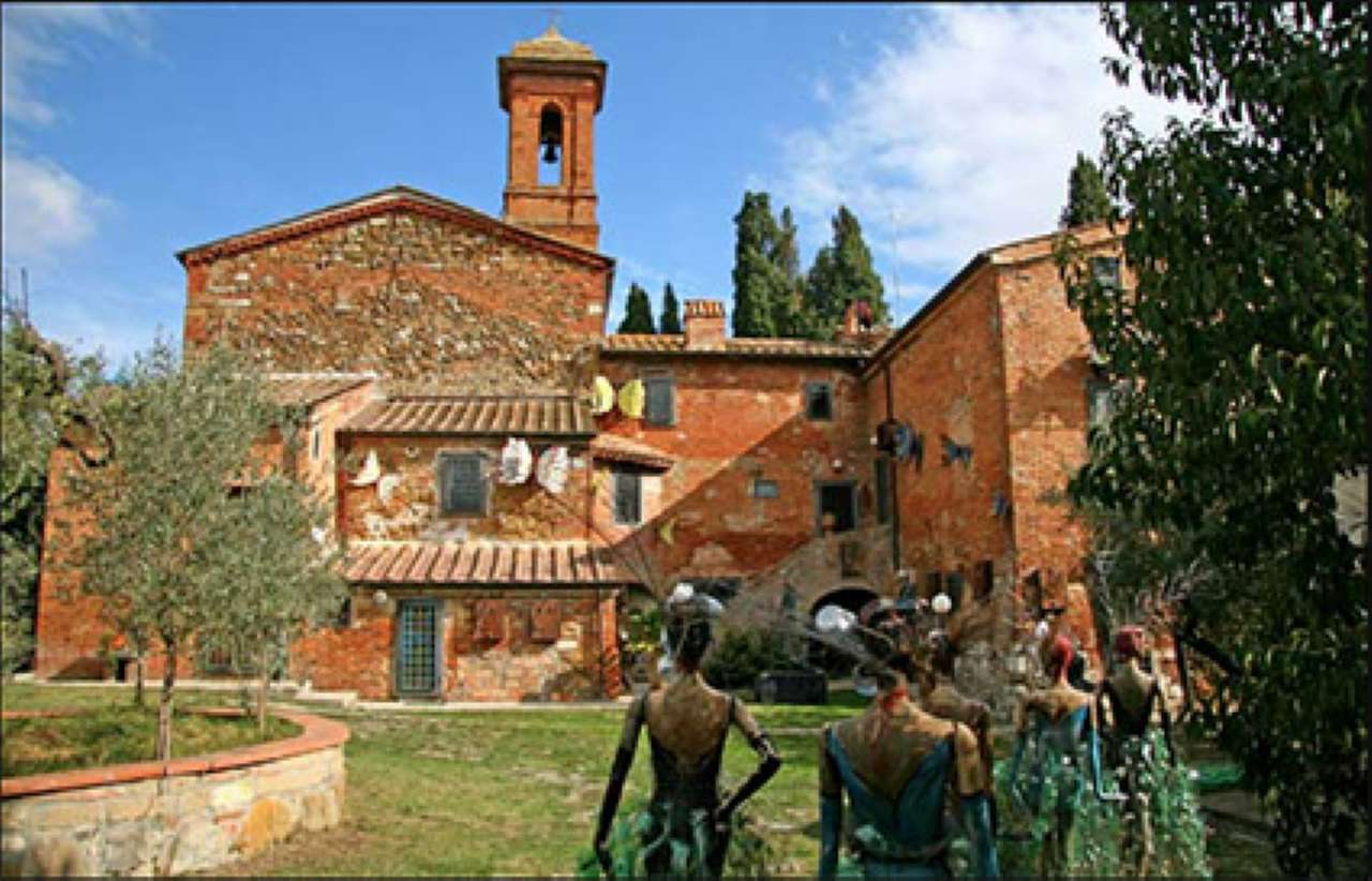 Esclusivo monastero in borgo medievale 650 mq con terreno coltivato Rif. 8035768