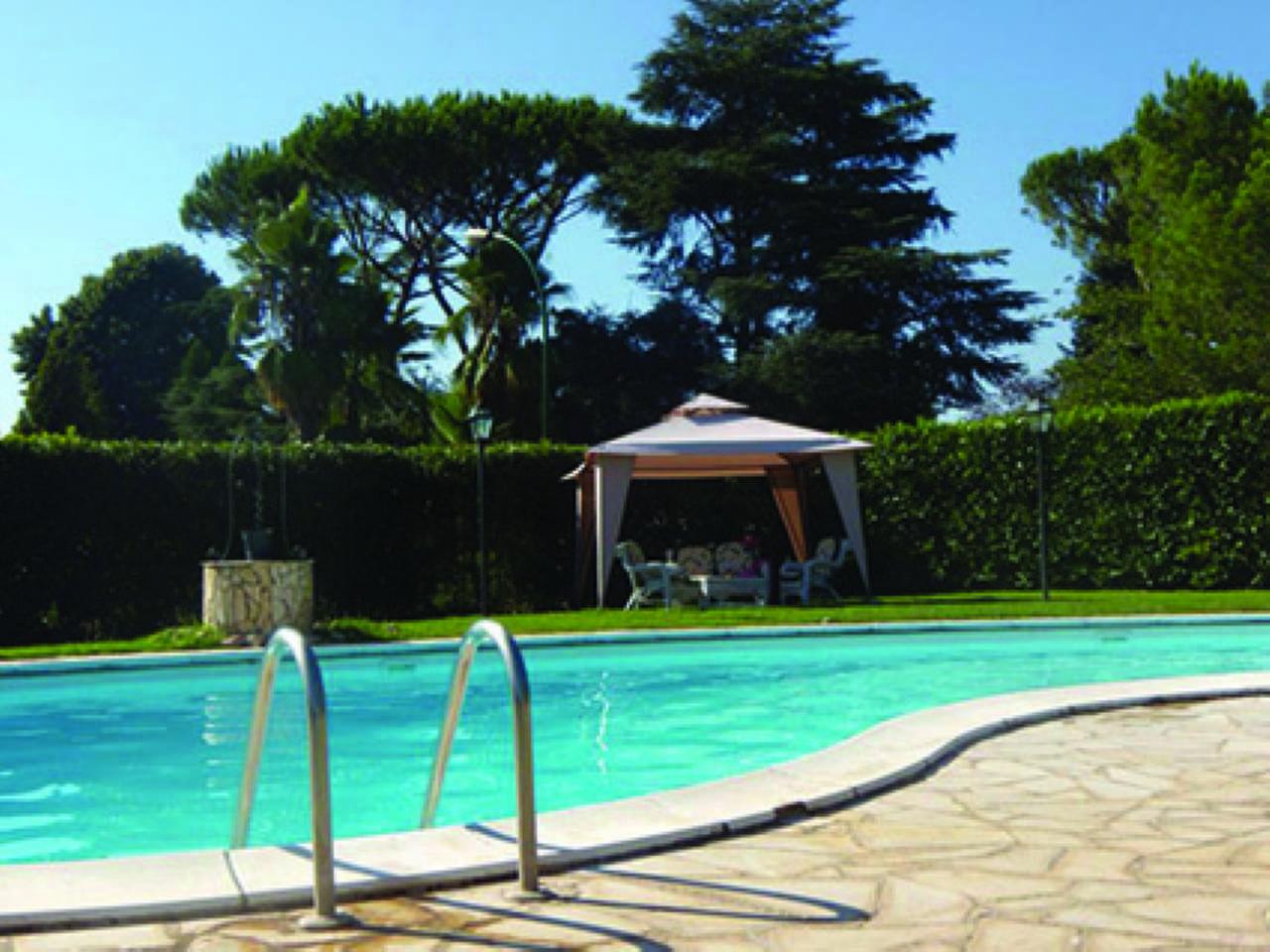 Villa in vendita a Roma, 15 locali, zona Zona: 42 . Cassia - Olgiata, Trattative riservate | CambioCasa.it