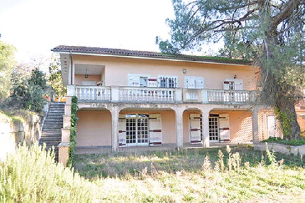 Villetta a schiera in buone condizioni in vendita Rif. 8924666