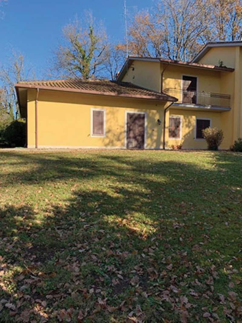 Villa Bifamiliare in vendita a Roma, 9 locali, zona Zona: 42 . Cassia - Olgiata, prezzo € 700.000 | CambioCasa.it