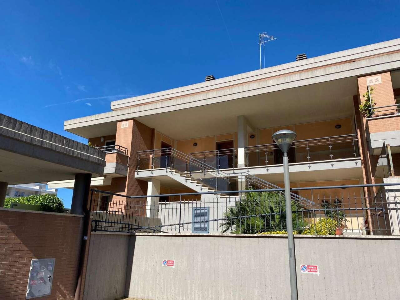 Appartamento in vendita a Roma, 2 locali, zona Zona: 22 . Eur - Torrino - Spinaceto, prezzo € 245.000 | CambioCasa.it