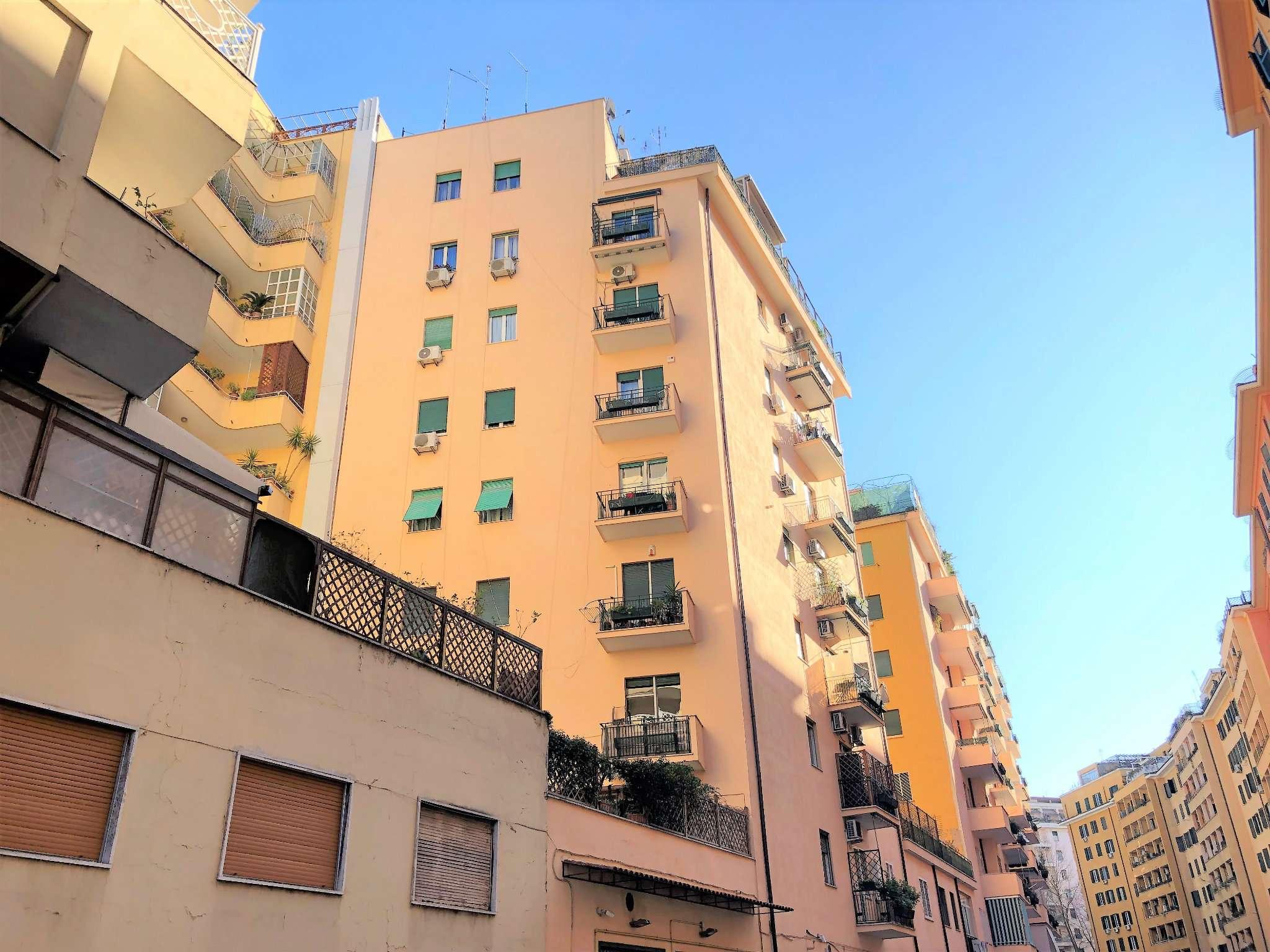 Appartamento in vendita a Roma, 4 locali, zona Zona: 14 . San Giovanni, Re di Roma, P.ta Metronia, prezzo € 309.000 | CambioCasa.it