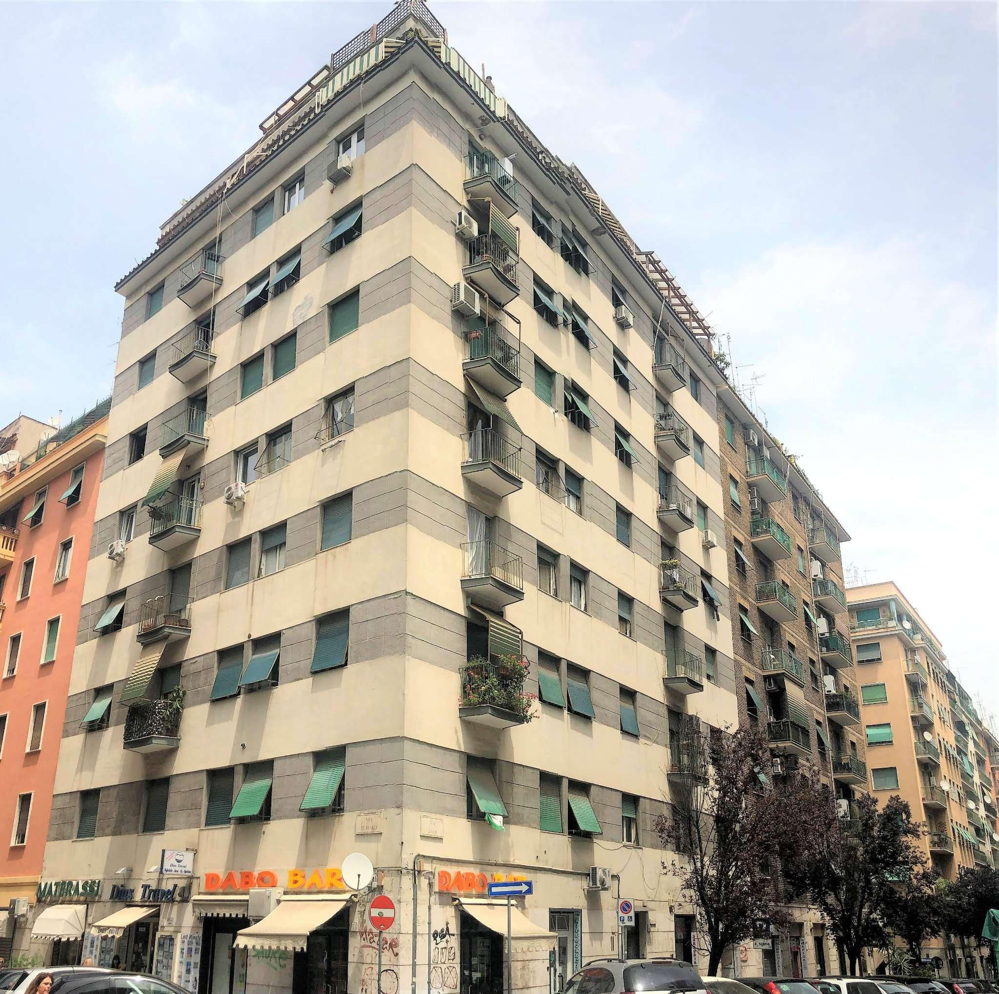 Appartamento in vendita a Roma, 4 locali, zona Zona: 16 . Appia nuova - Alberone - Colli Albani, prezzo € 329.000 | CambioCasa.it
