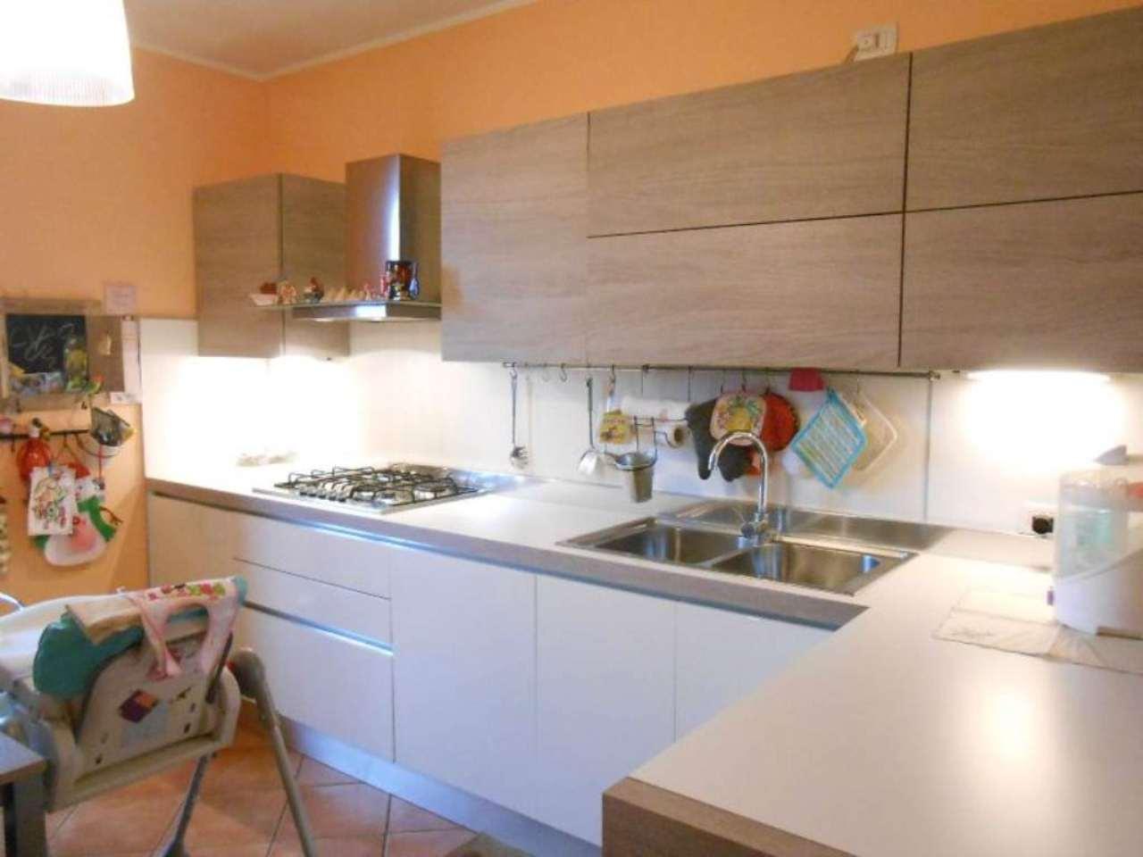 Appartamento in ottime condizioni parzialmente arredato in vendita Rif. 8911667