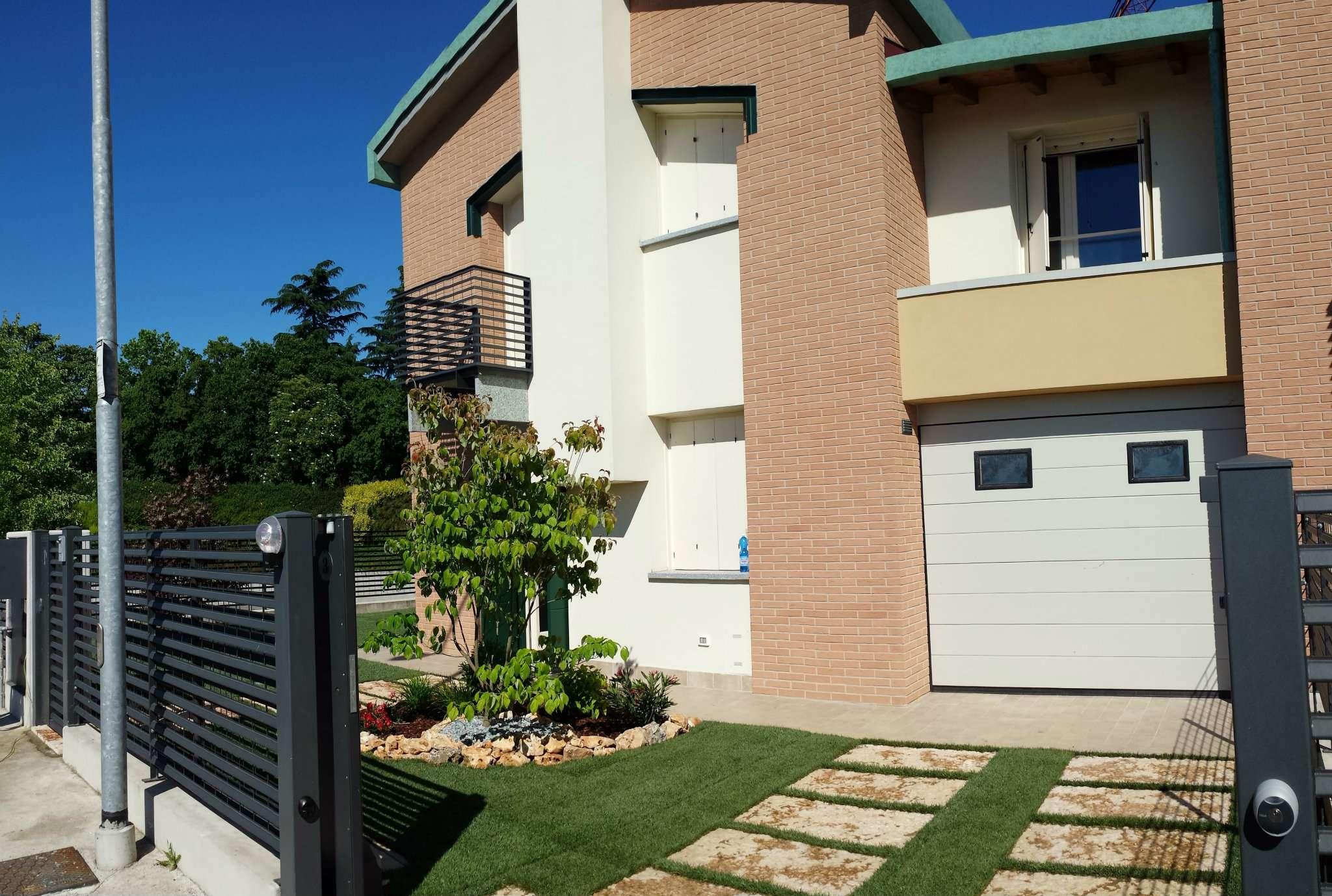 Villa di 5 Locali, Nuova, Classe A4