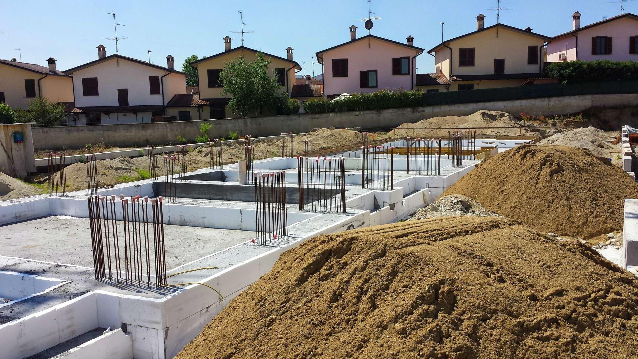 Villa in vendita a Melegnano, 5 locali, prezzo € 310.000 | PortaleAgenzieImmobiliari.it