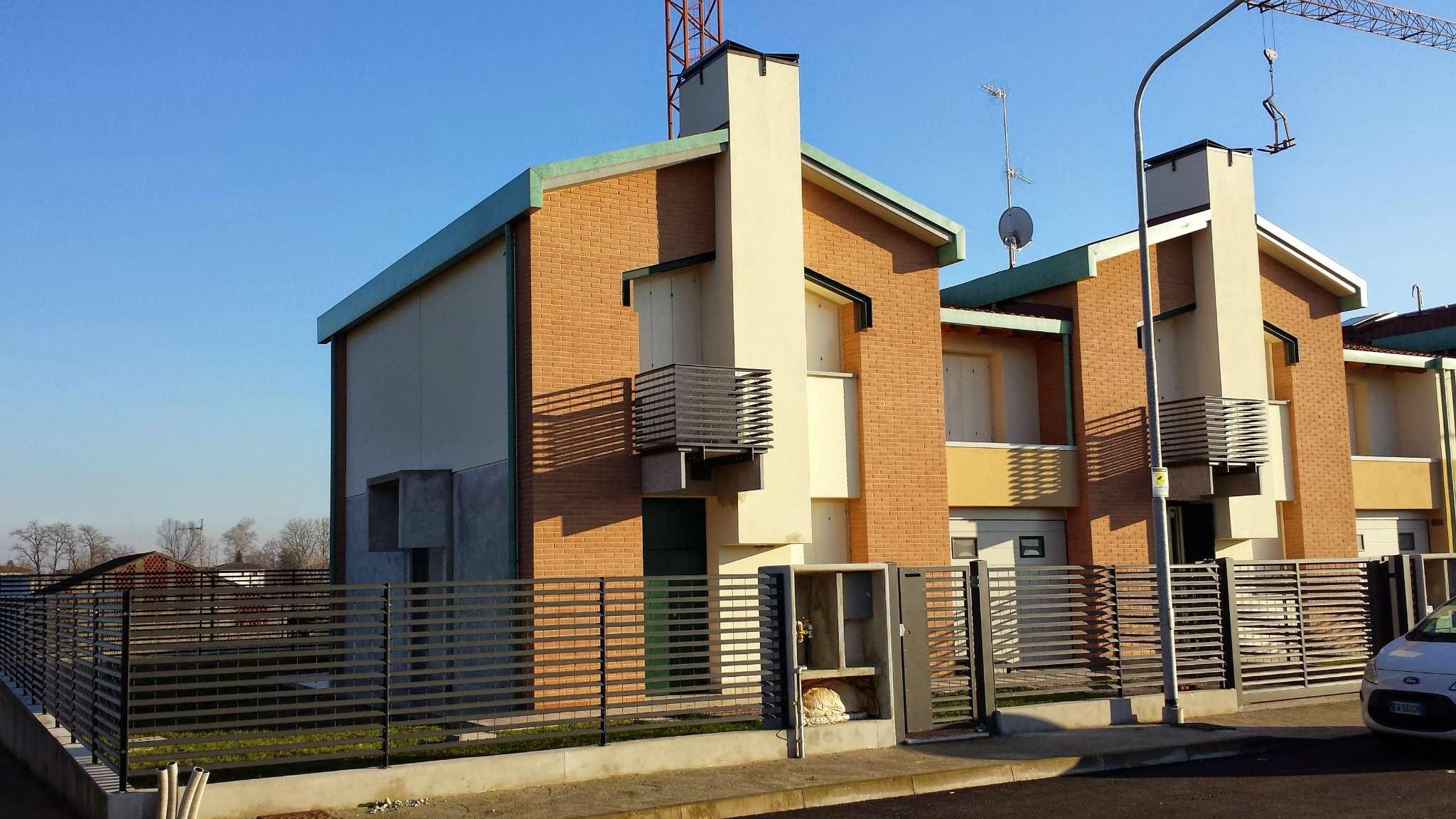 Villa a Schiera in vendita a Melegnano, 5 locali, prezzo € 298.000 | PortaleAgenzieImmobiliari.it
