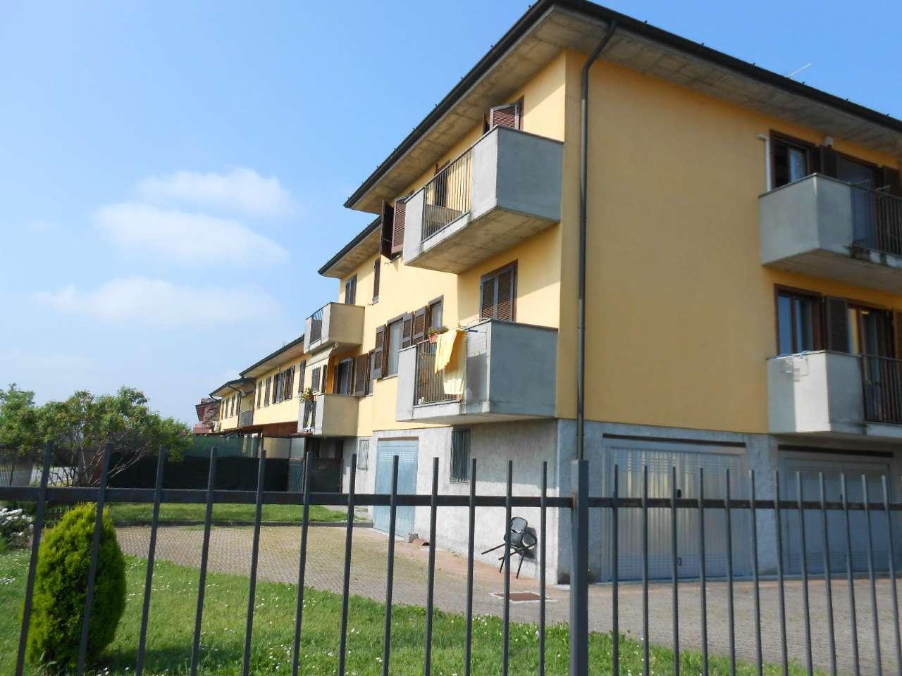Appartamento in ottime condizioni parzialmente arredato in vendita Rif. 6787192