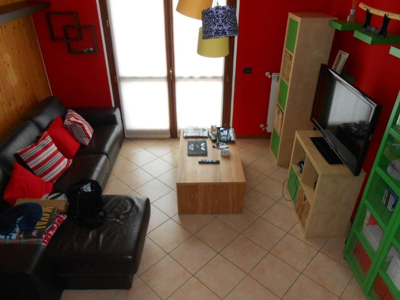 Appartamento in ottime condizioni in vendita Rif. 6787193