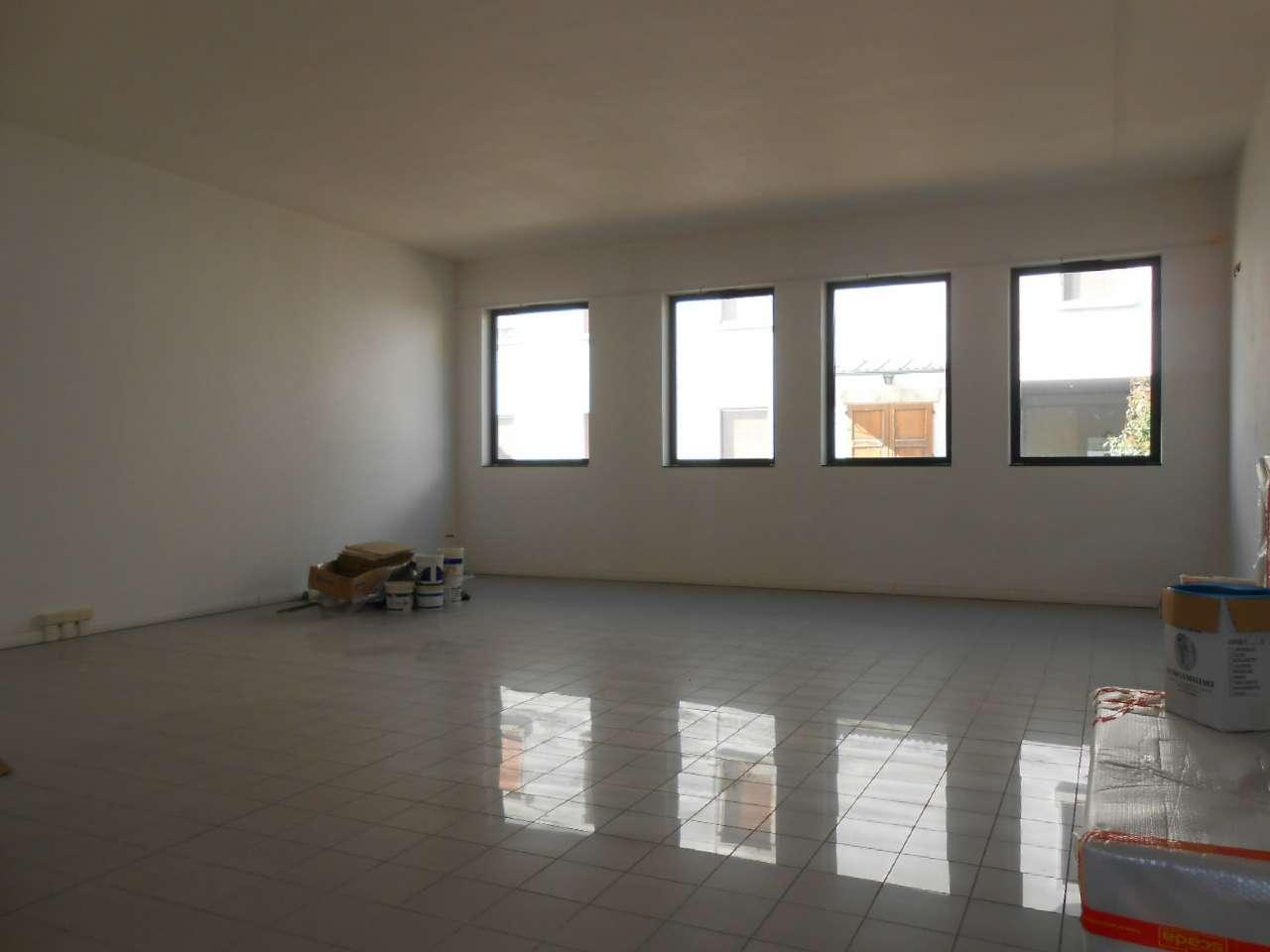 Ufficio / Studio in affitto a Madignano, 2 locali, prezzo € 550 | PortaleAgenzieImmobiliari.it