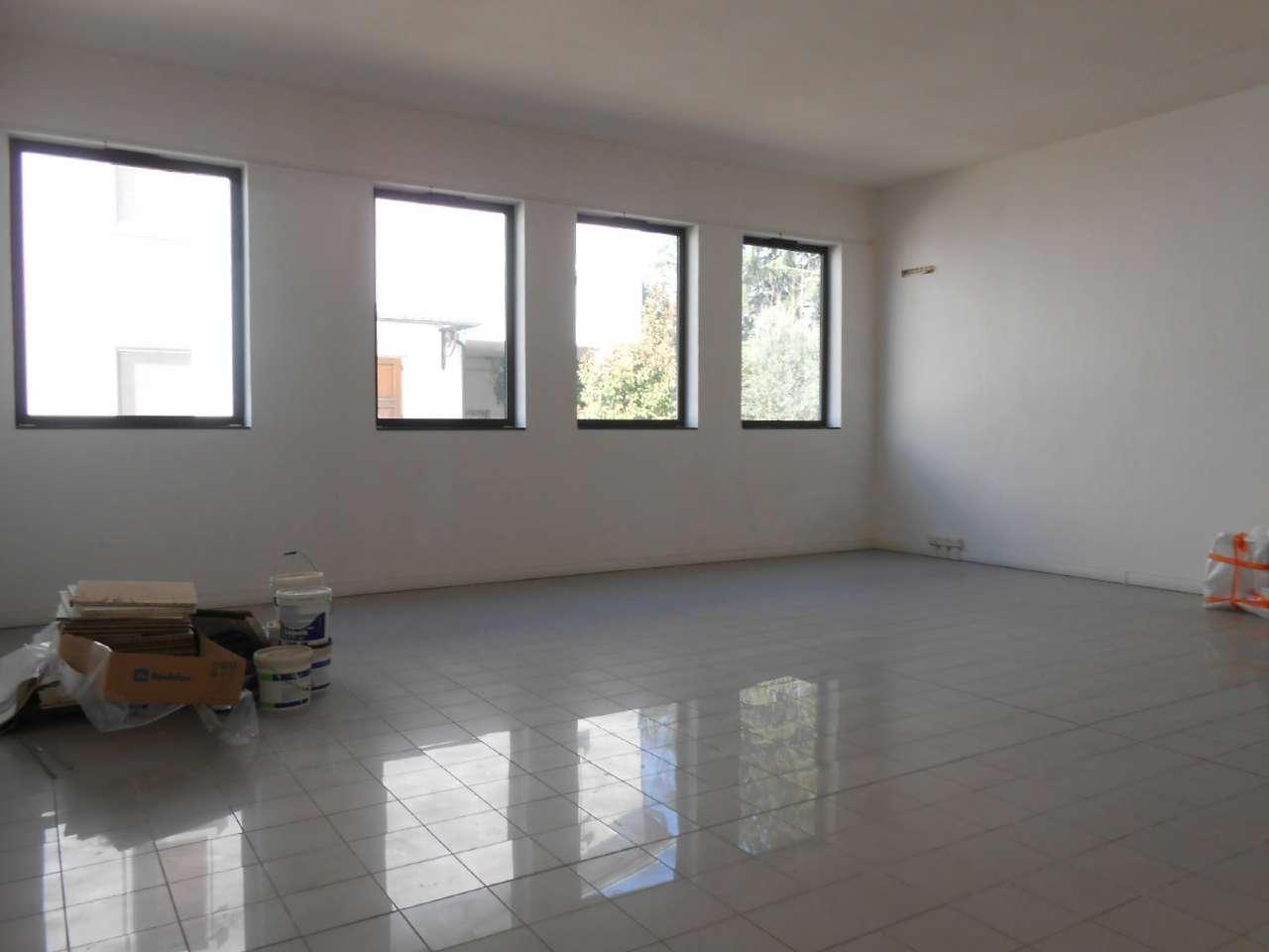 Ufficio / Studio in affitto a Madignano, 2 locali, prezzo € 570 | PortaleAgenzieImmobiliari.it