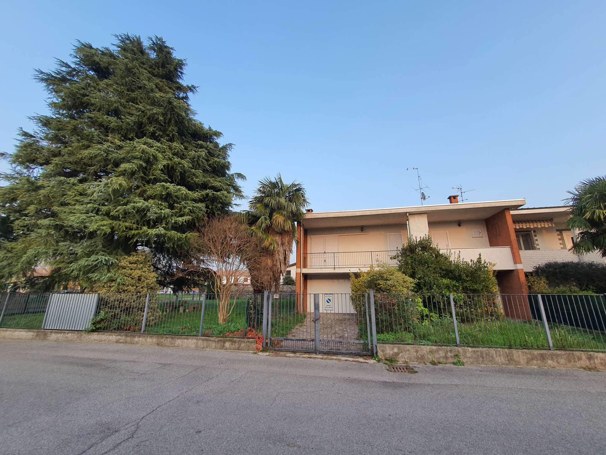 Villa Bifamiliare in vendita a Bagnolo Cremasco, 4 locali, prezzo € 189.000   PortaleAgenzieImmobiliari.it