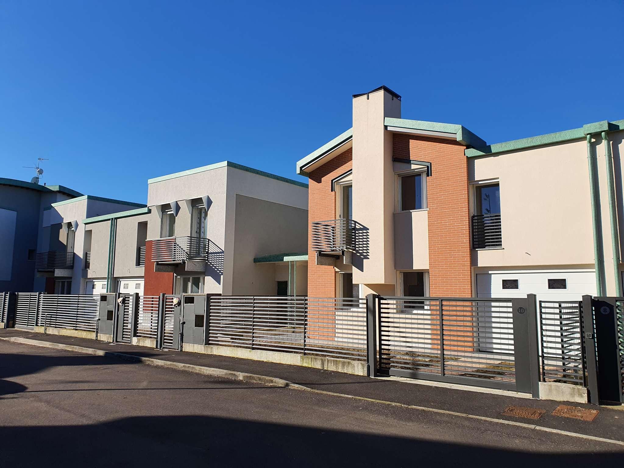 Villa a Schiera in vendita a San Colombano al Lambro, 5 locali, prezzo € 278.000 | PortaleAgenzieImmobiliari.it
