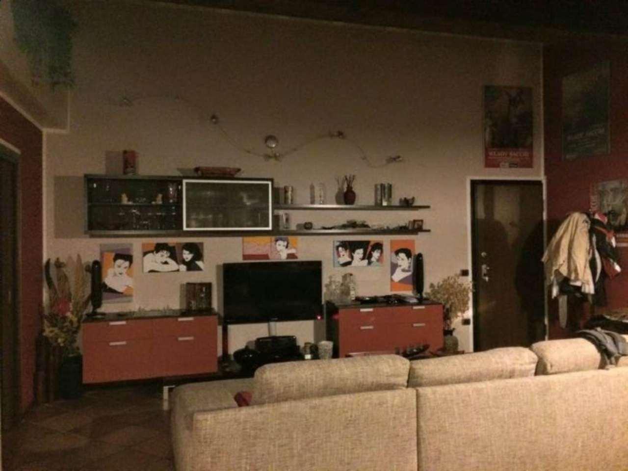 Appartamento in ottime condizioni parzialmente arredato in vendita Rif. 4966981