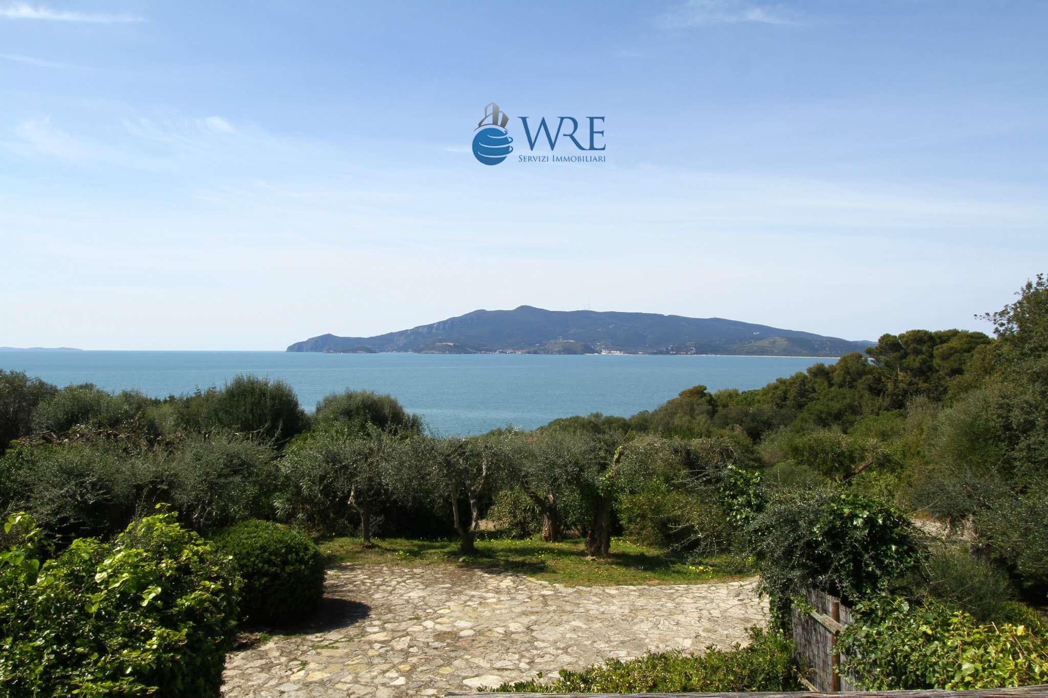 Ansedonia - Villa di Lusso con parco e piscina- Panoramica con vista Argentario e Feniglia.