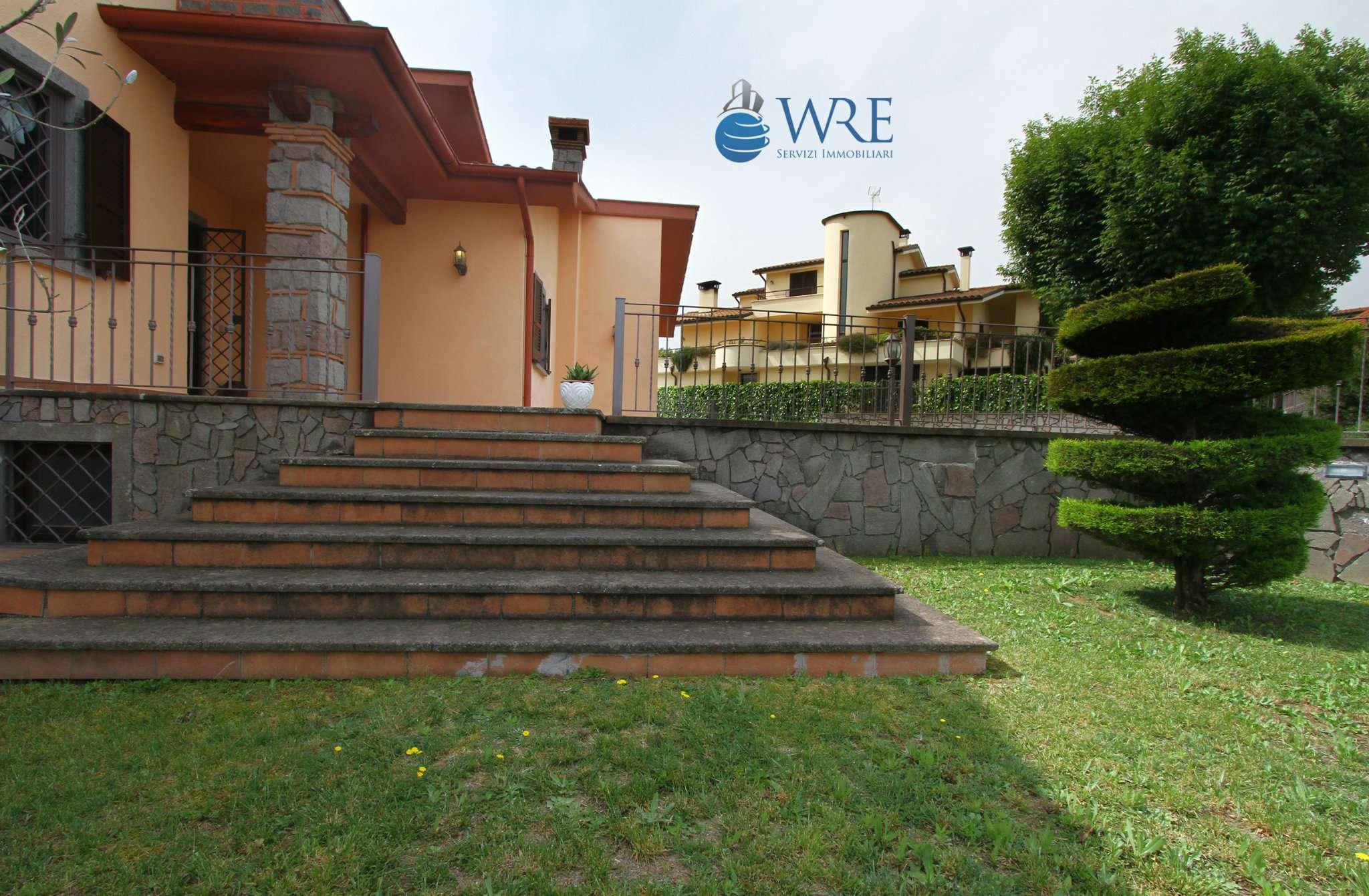 Villa in vendita a Vitorchiano, 15 locali, prezzo € 450.000 | CambioCasa.it