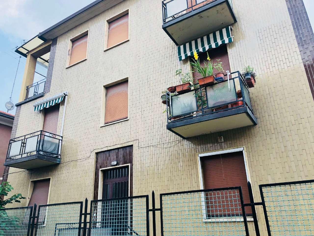 Appartamento in ottime condizioni parzialmente arredato in vendita Rif. 7298711