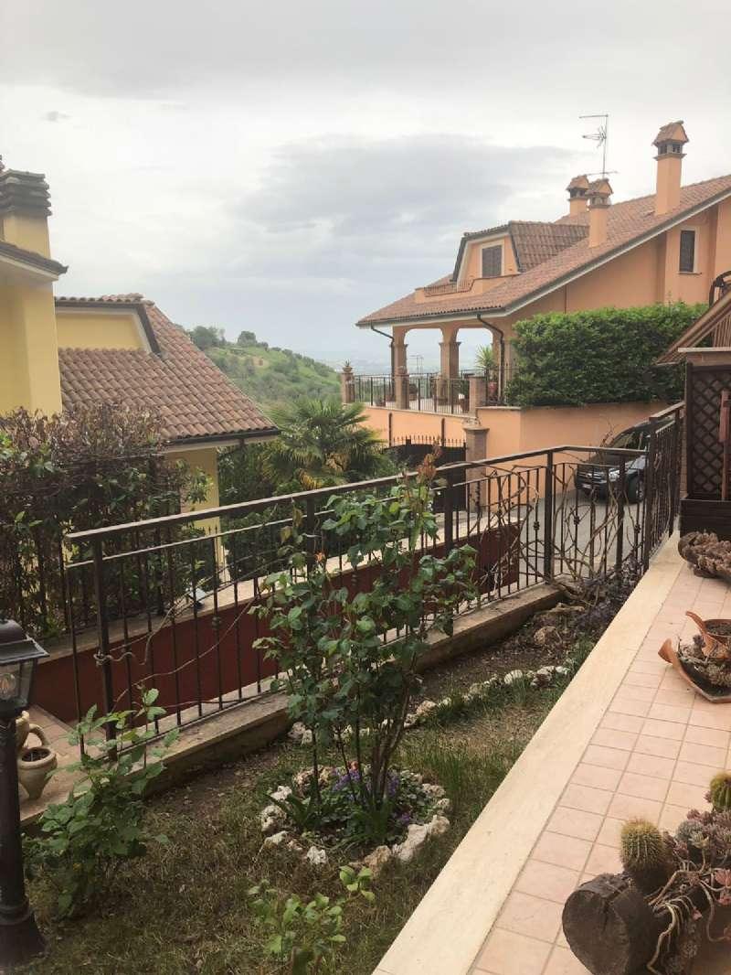 Appartamento in vendita a Monterotondo, 3 locali, prezzo € 150.000   CambioCasa.it