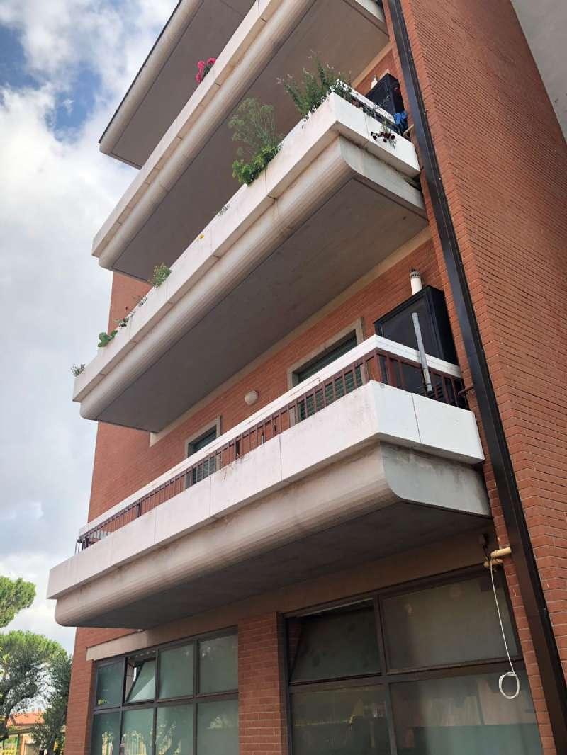 Appartamento in buone condizioni parzialmente arredato in affitto Rif. 7203038
