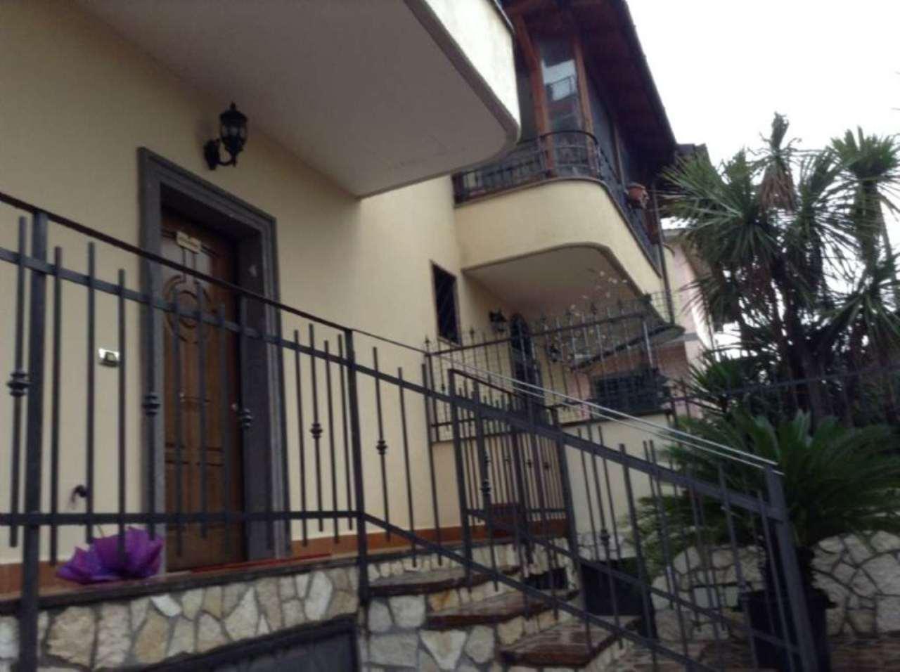 Villa Bifamiliare in vendita a Roma, 6 locali, zona Zona: 36 . Finocchio, Torre Gaia, Tor Vergata, Borghesiana, prezzo € 350.000 | CambioCasa.it