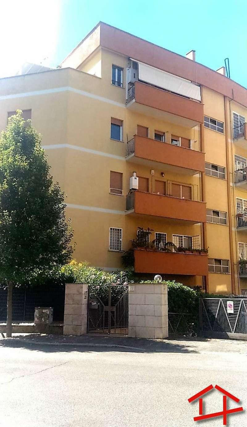 Appartamento in vendita a Roma, 2 locali, zona Zona: 17 . Aventino, San Saba , Piramide, prezzo € 189.000 | CambioCasa.it