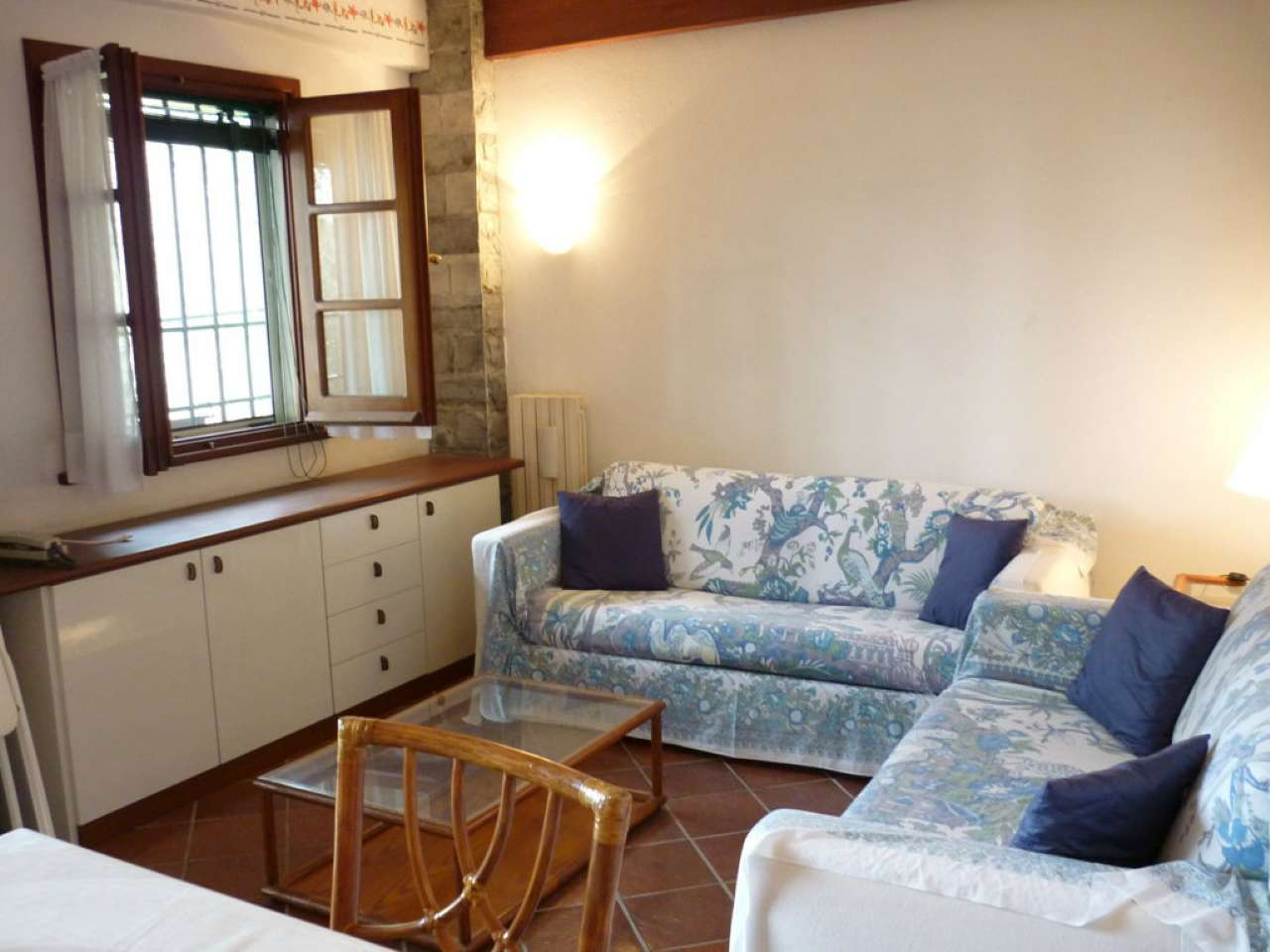 Appartamento in buone condizioni arredato in affitto Rif. 8550391