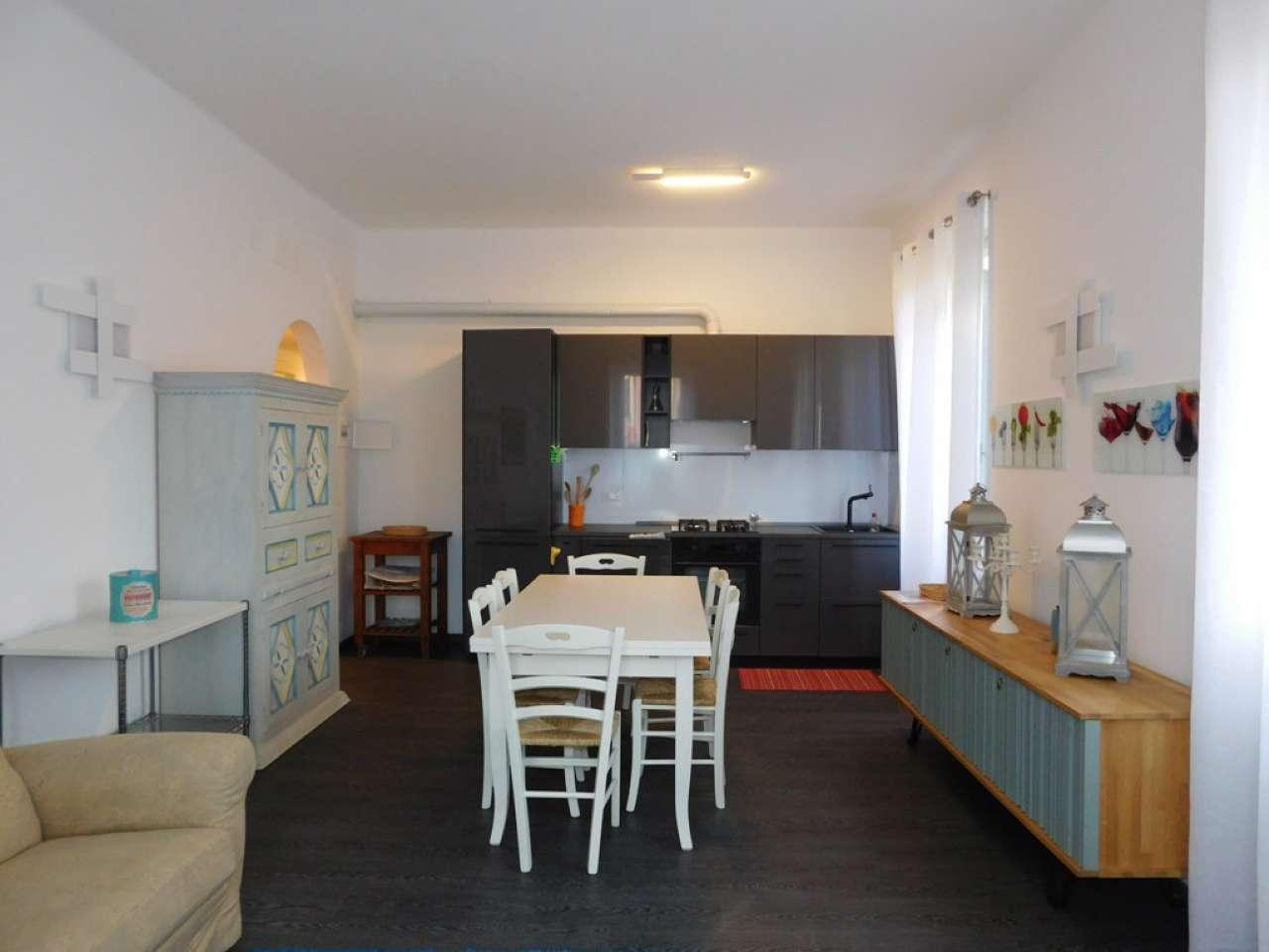 Appartamento in buone condizioni in affitto Rif. 8214632
