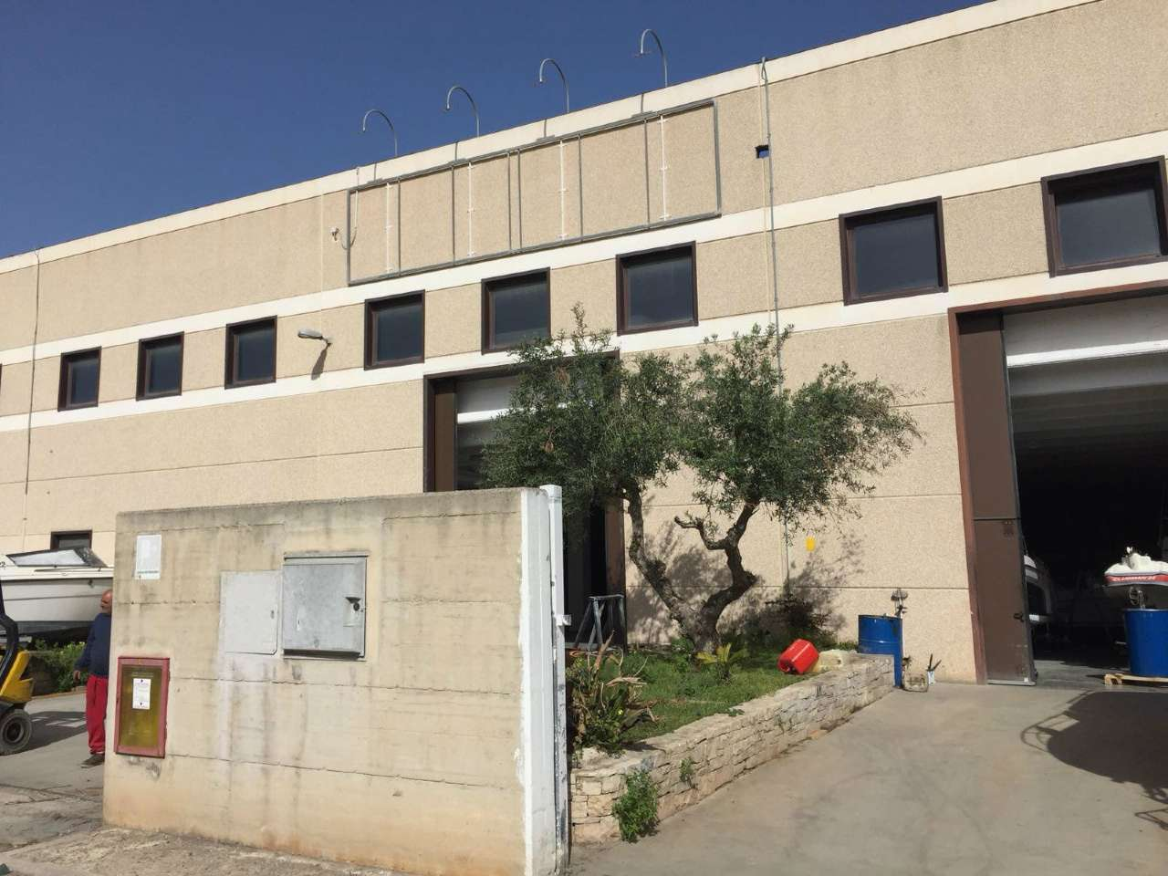 Capannone in vendita a Modugno, 9999 locali, prezzo € 450.000 | PortaleAgenzieImmobiliari.it
