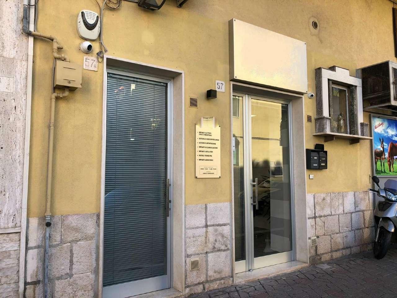 Modugno, LOCALE COMMERCIALE SU VIA ROMA RISTRUTTURATO Rif. 8533659