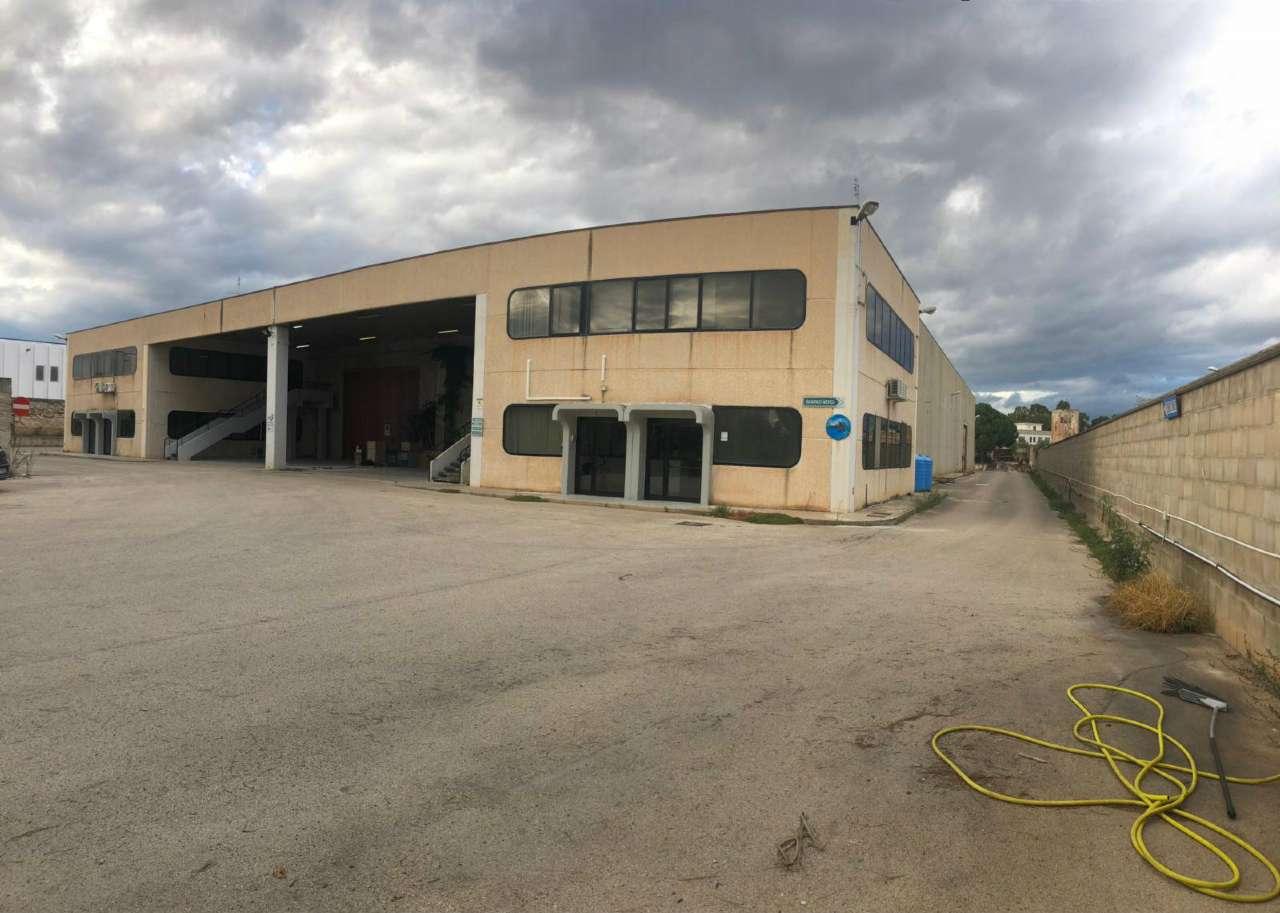Capannone in vendita a Modugno, 20 locali, prezzo € 880.000 | PortaleAgenzieImmobiliari.it