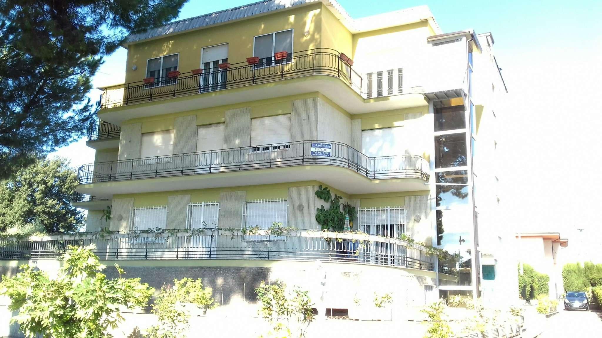 Appartamento da ristrutturare parzialmente arredato in vendita Rif. 4973399