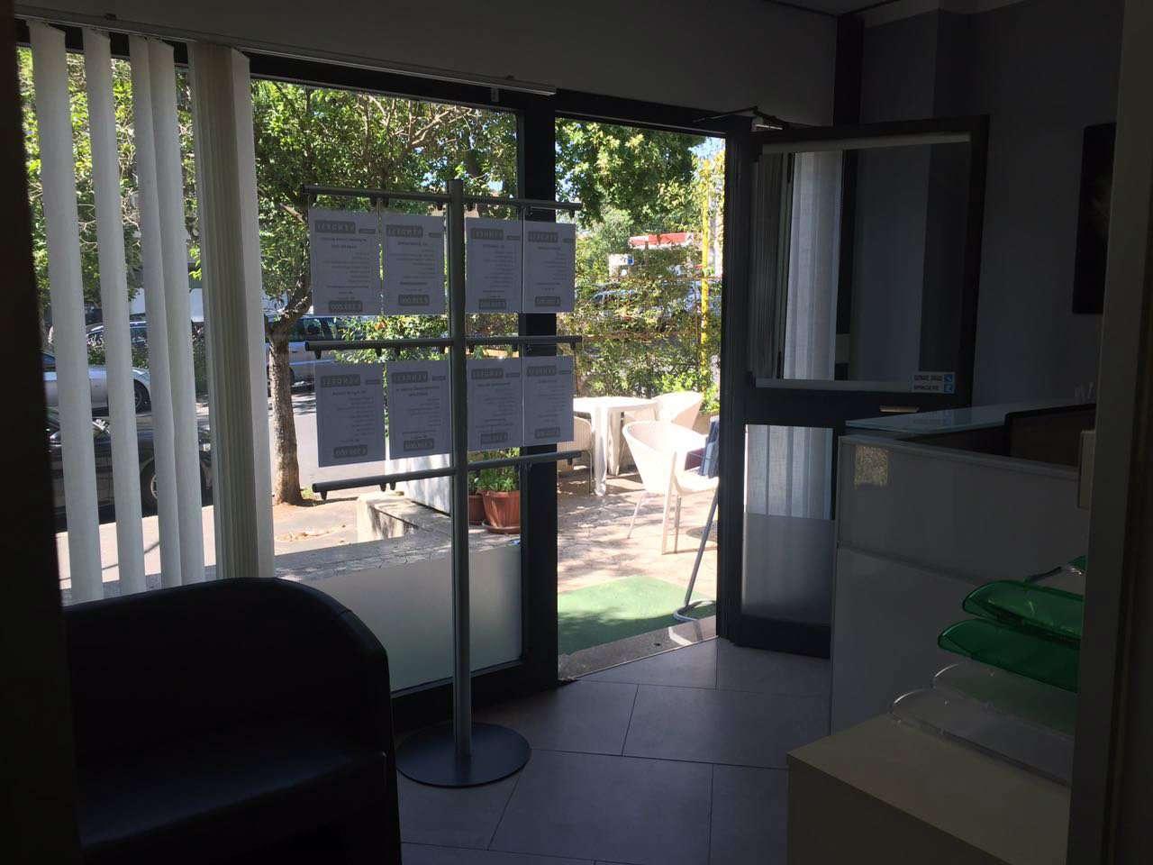 Negozio / Locale in affitto a Roma, 2 locali, zona Zona: 24 . Gianicolense - Colli Portuensi - Monteverde, prezzo € 800 | CambioCasa.it