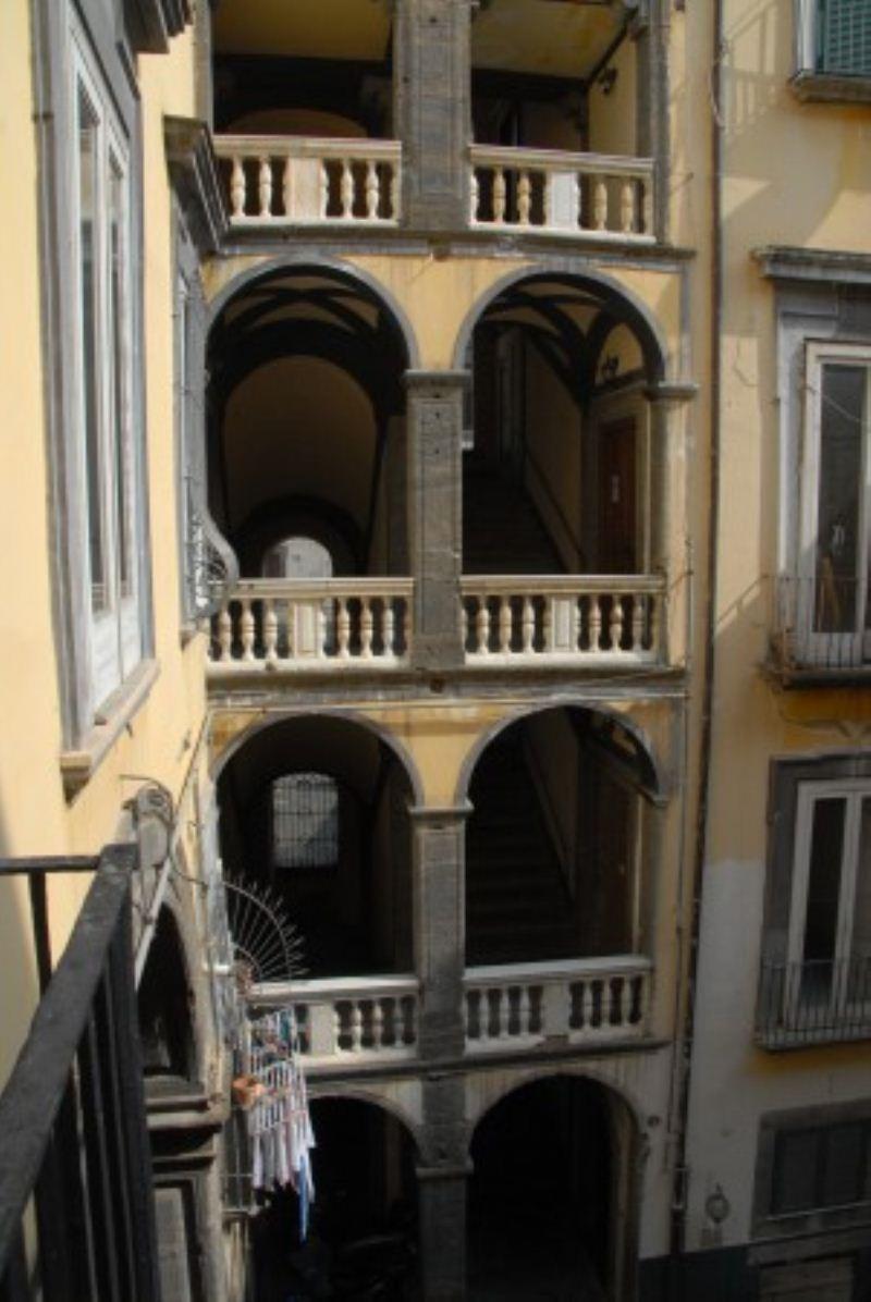 Appartamento con terrazzo a napoli for Case in vendita napoli centro