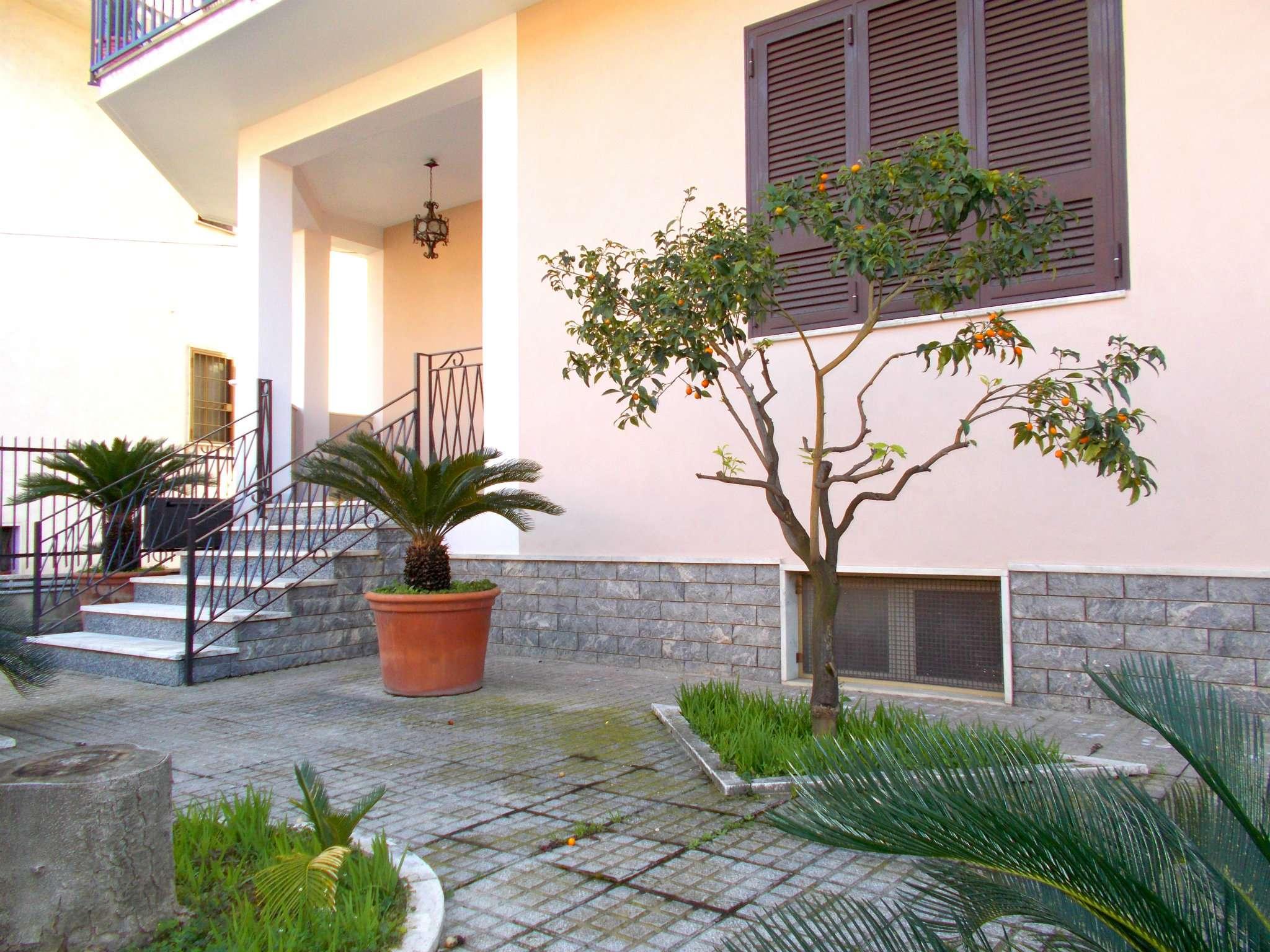 Appartamento in affitto a San Felice a Cancello, 5 locali, prezzo € 400 | CambioCasa.it