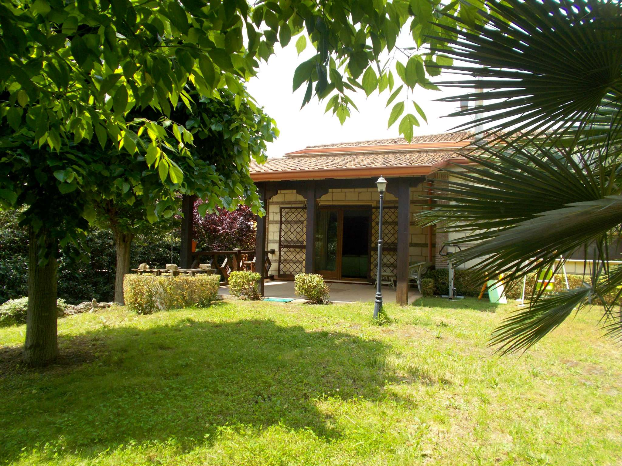 Villa in vendita a Arienzo, 8 locali, prezzo € 260.000 | CambioCasa.it