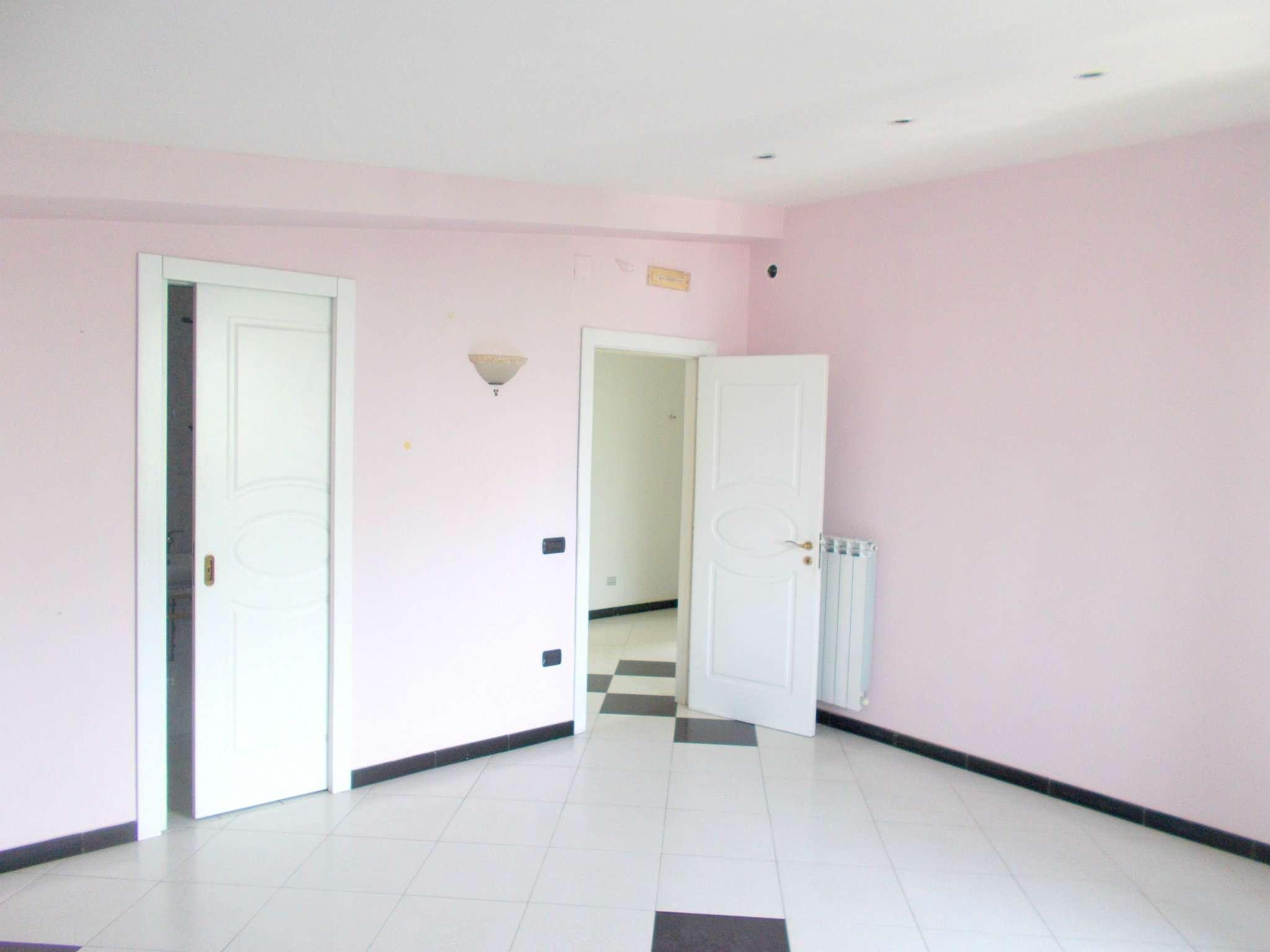 Appartamento in vendita a Arienzo, 4 locali, prezzo € 65.000 | CambioCasa.it