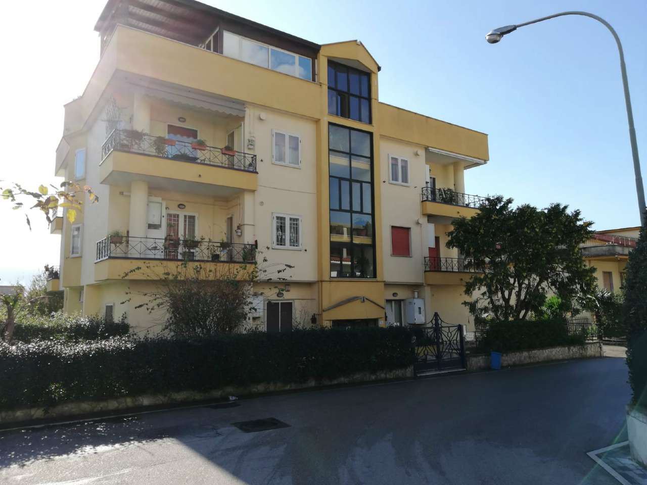 Appartamento in buone condizioni in vendita Rif. 9306714