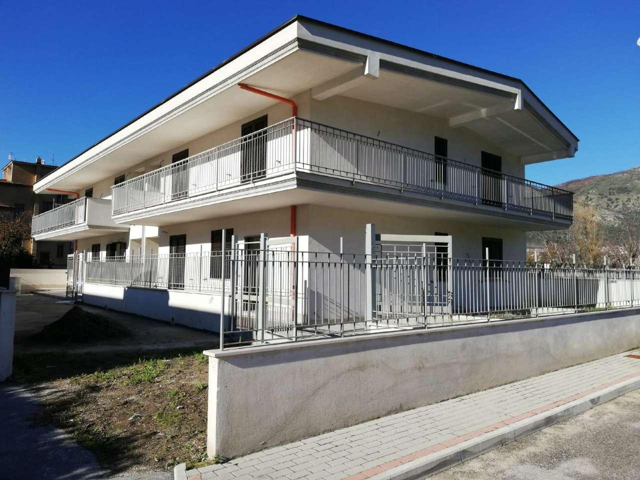 Appartamento in vendita a Arienzo, 5 locali, prezzo € 155.000 | CambioCasa.it