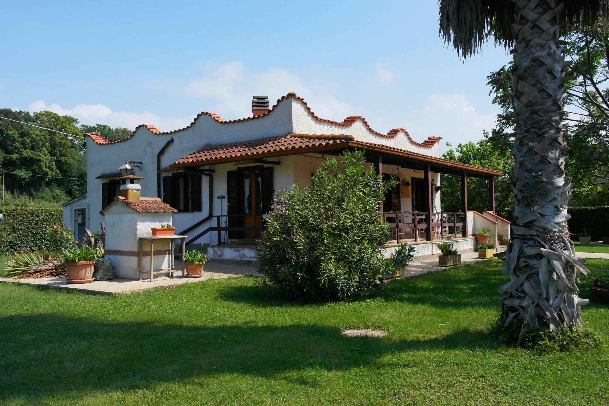 Casa Indipendente in buone condizioni parzialmente arredato in vendita Rif. 6530515