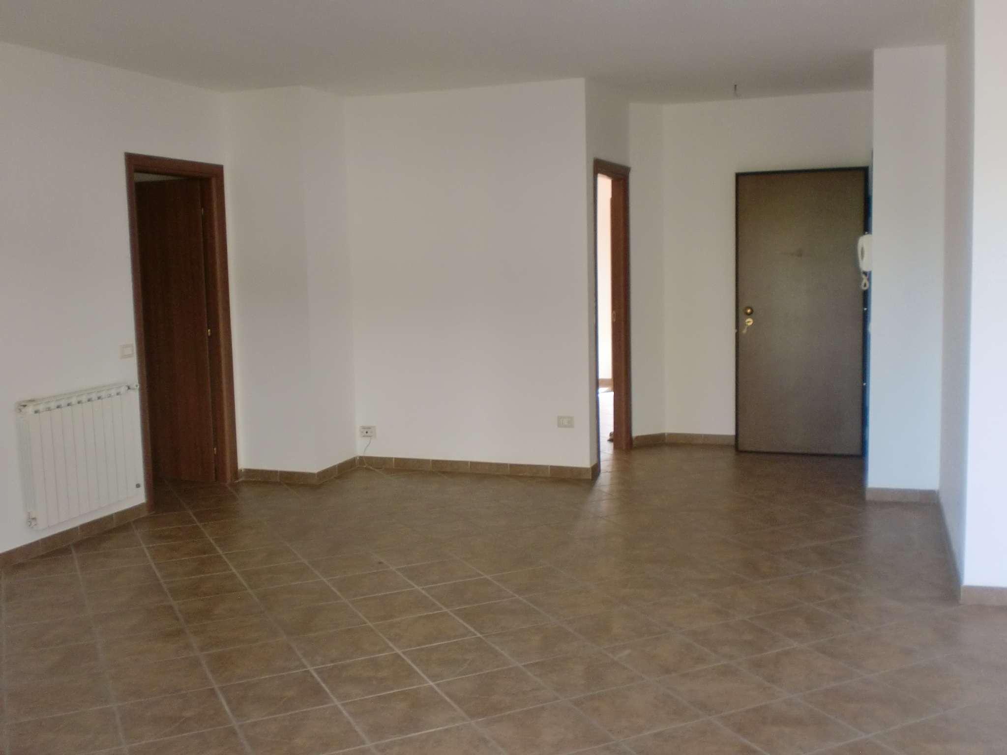 Appartamento in buone condizioni in affitto Rif. 8719430