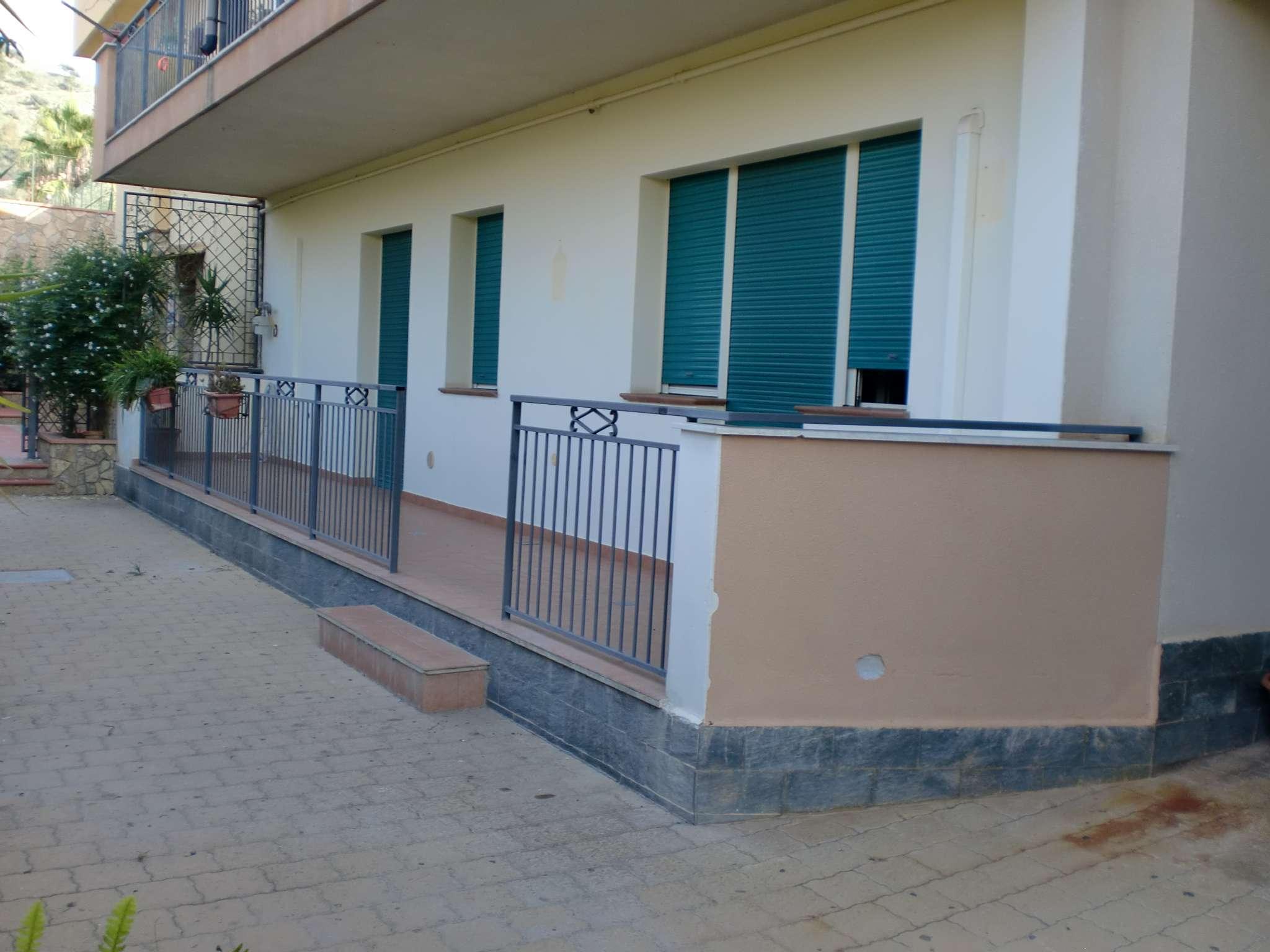 Appartamento ristrutturato parzialmente arredato in affitto Rif. 8189153