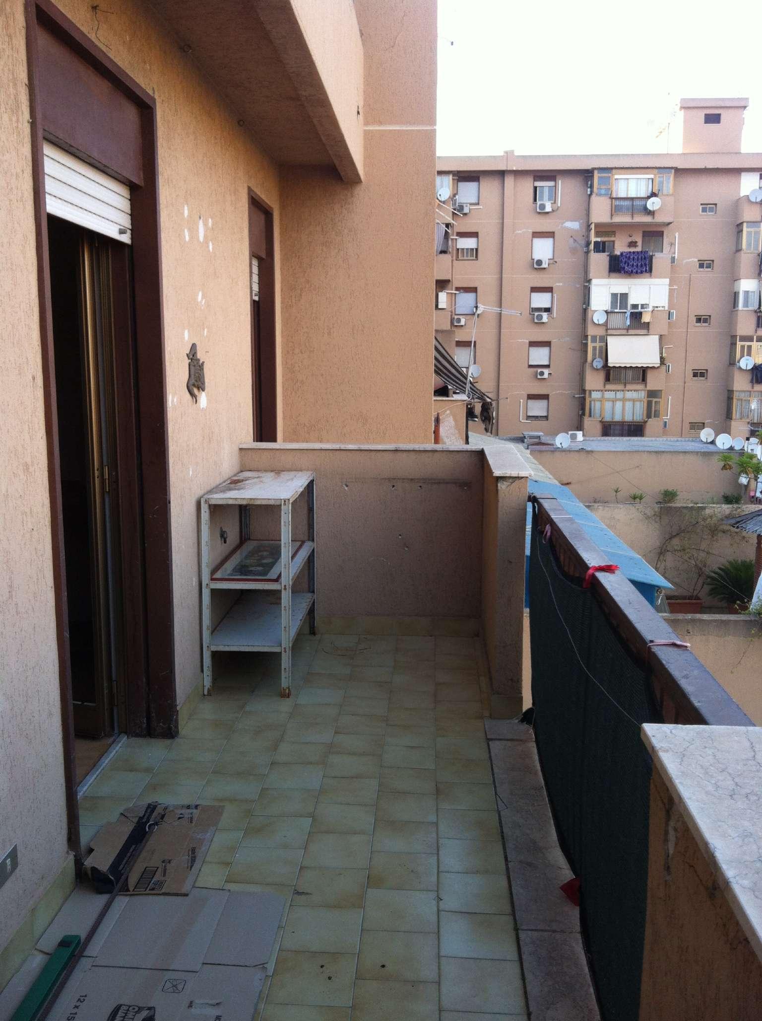 Appartamento in buone condizioni arredato in affitto Rif. 9306771