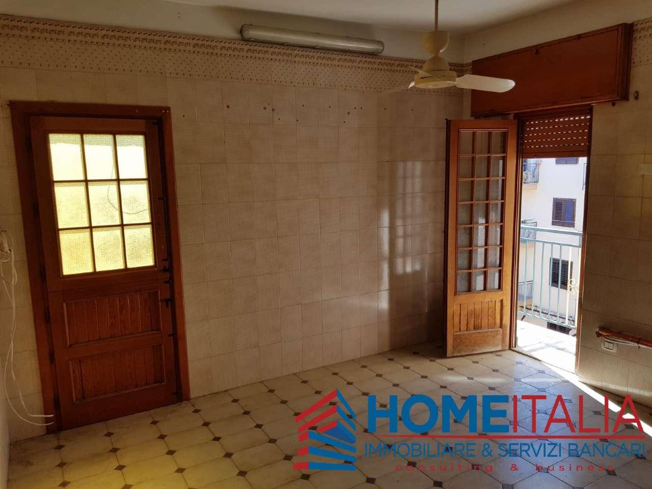 Appartamento in vendita a Ficarazzi, 8 locali, prezzo € 70.000   PortaleAgenzieImmobiliari.it