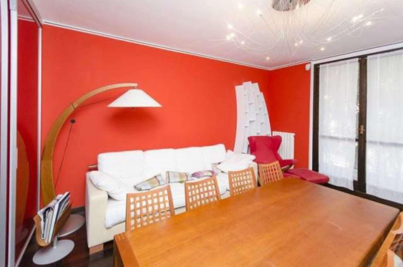 Appartamento in ottime condizioni parzialmente arredato in vendita Rif. 7931857
