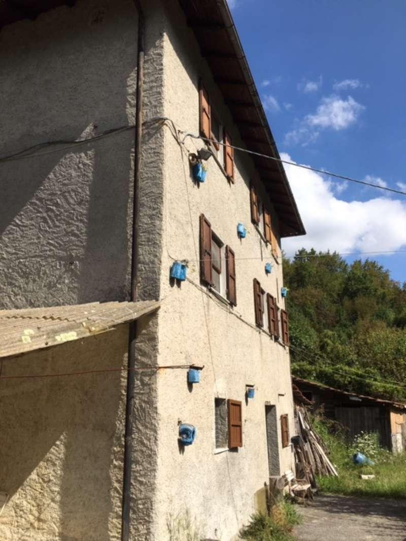 Soluzione Indipendente in vendita a Serra Riccò, 7 locali, prezzo € 150.000   PortaleAgenzieImmobiliari.it