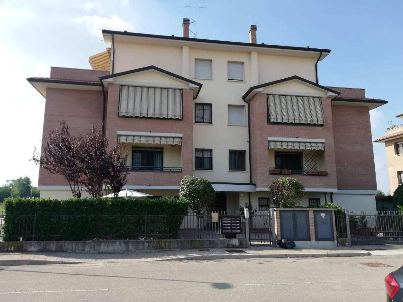 Appartamento in ottime condizioni parzialmente arredato in vendita Rif. 8064951
