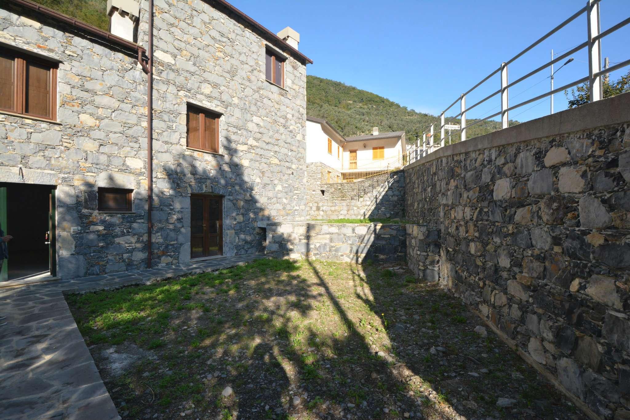 Appartamento in vendita a Avegno, 5 locali, prezzo € 220.000   PortaleAgenzieImmobiliari.it